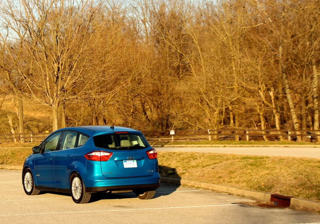 2013_Ford_CMax_053