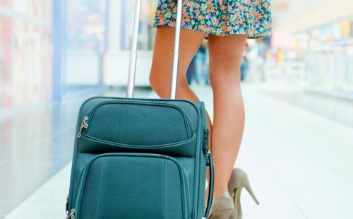 Travel Tips For Packing Light   USA Love List #travel #style #fashion #travelstyle #travelinstyle