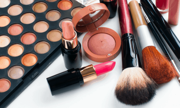Beauty Product Care: All About Brush Cleaning, & Makeup Expiration Dates