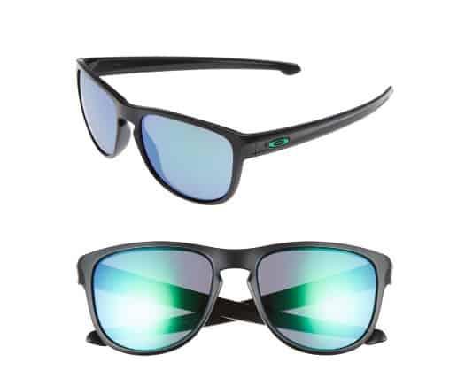 Unique college graduation gifts- Oakley sunglasses #graduationgifts #usalovelisted
