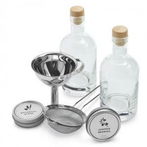 Outdoor entertaining tips | Homemade Gin kit #madeinUSA