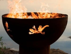 Outdoor entertaining tips | handmade fire pit #madeinUSA