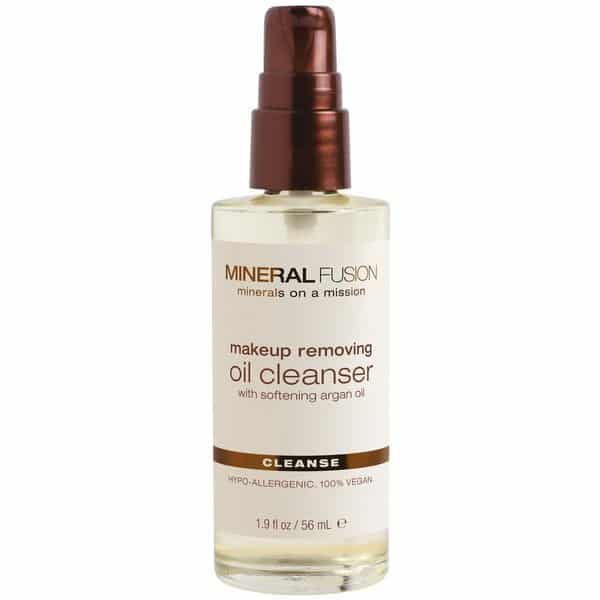 Vegan beauty products: makeup removing oil cleanser #vegan #usalovelisted #madeinUSA
