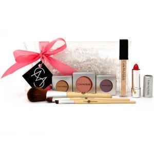 Holiday makeup using gold.  Cate McNabb #makeup #madeinusa
