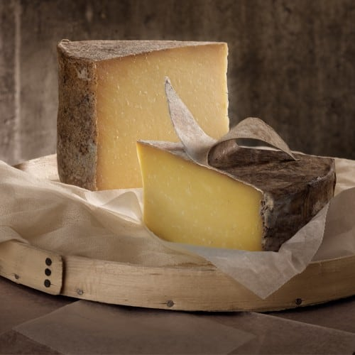 Gifts for the Foodie: Gourmet Foodie Gifts from Cabot Cheese Coop - American Made via USALoveList.com