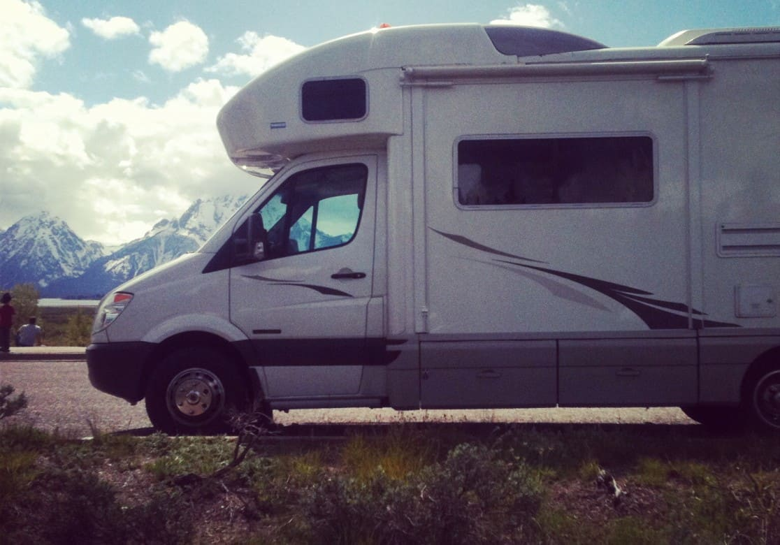 A Cross Country Road Trip in a Winnebago leads to the Launch of USA Love List #viaStories