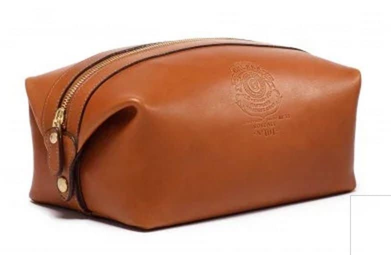 The Ghurka Holdall No. 101 Vintage Chestnut Leather Dopp Kit, made in Connecticut #giftsformen #travel #madeinUSA