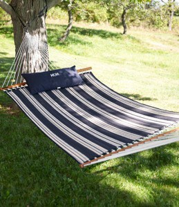 LL Bean sells the best hammocks. This one is made in the USA too! (via USAlovelist.com)
