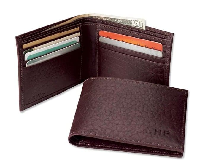 A personalized leather wallet makes a great graduation gift! #madeinUSA #giftsforgrads
