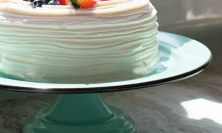 Giveaway: The American Made Porcelain Enamel Cake Stand from Barn Light Electric