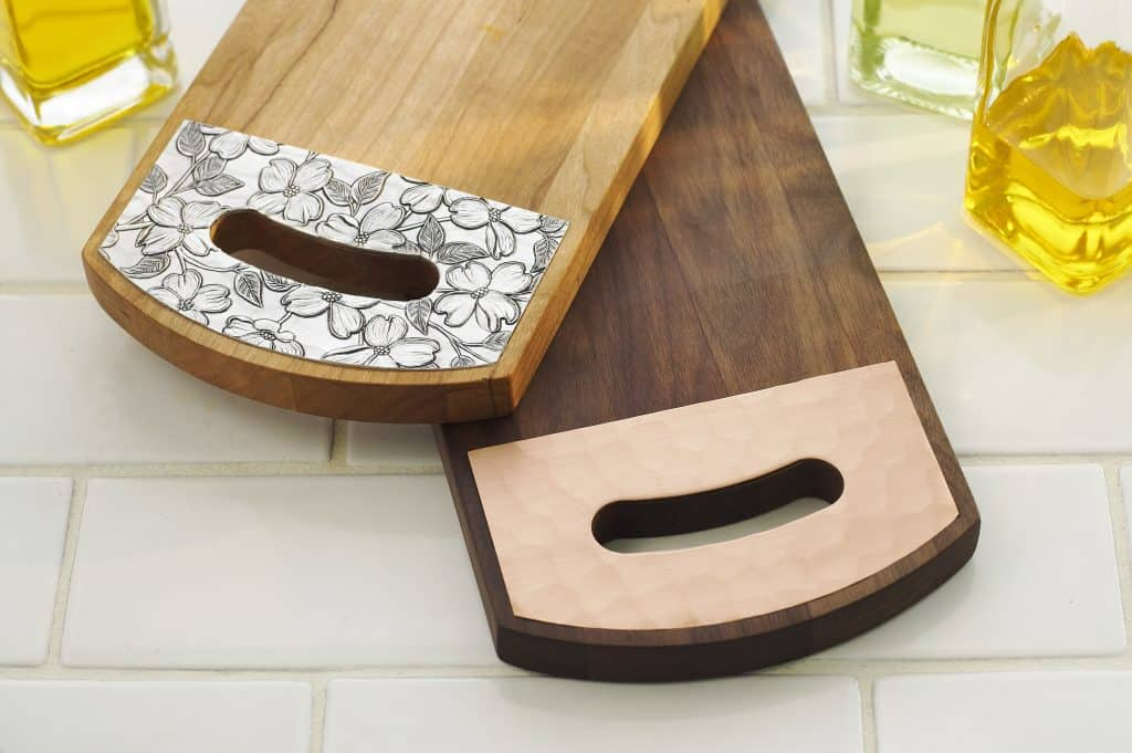 Made in USA gifts for the foodie: American Made Cutting Boards From Warther's #madeinUSA #foodie #gifts