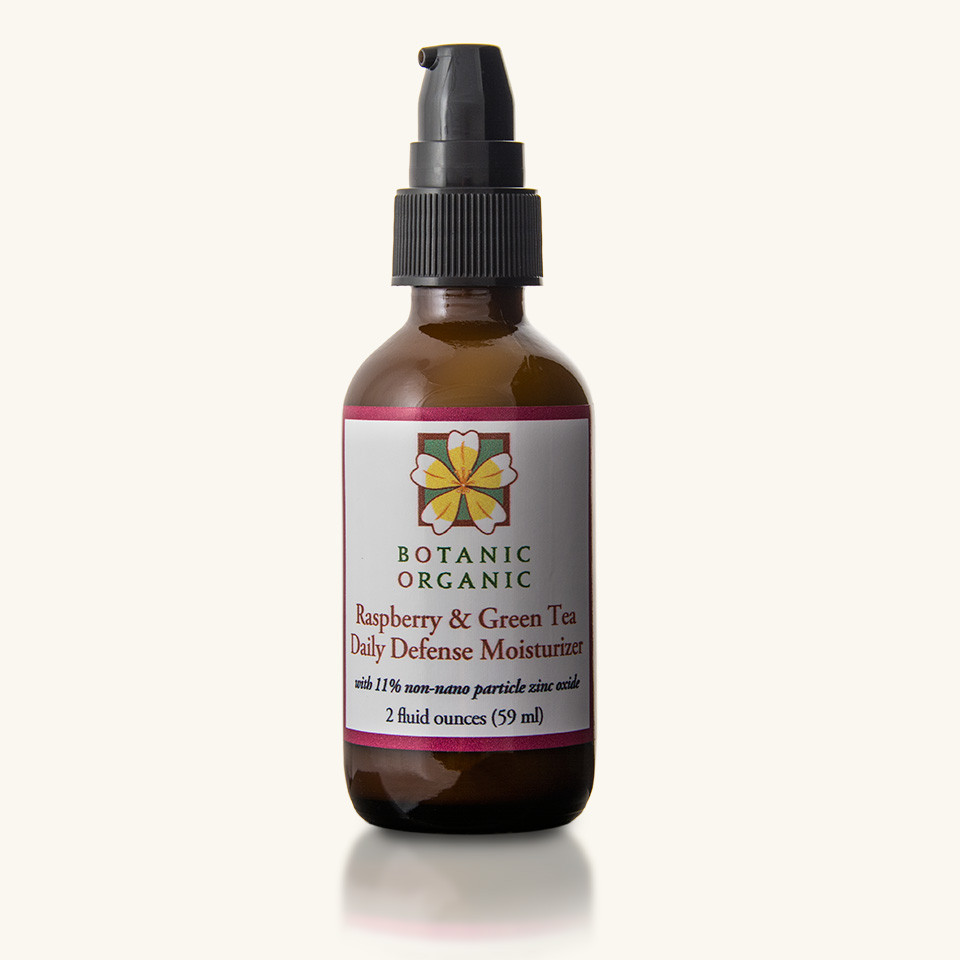 Non toxic sunscreens: Organic, Vegan Botanic Organic Daily Defense Moisturizer #usalovelisted