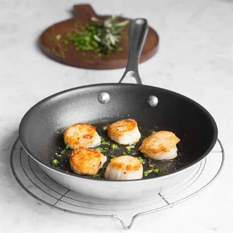 American made gifts for him: American Kitchen Cookware #madeinUSA #usalovelisted #giftsforhim
