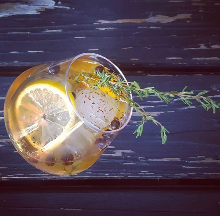 Winter cocktail recipes: Persian Gin and Tonic with 18.21 Tart Cherry and Saffron Bitters - Simple Winter Cocktail Recipe - Winter Twist on Gin and Tonic