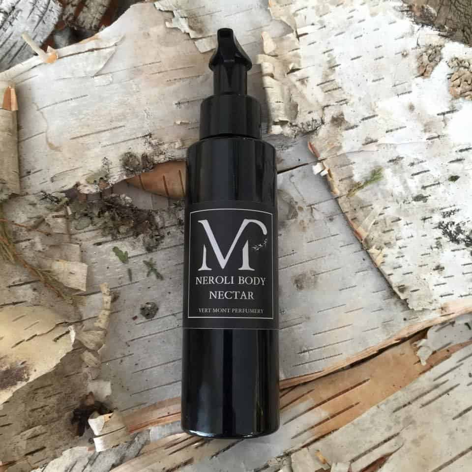 Essential Oil Based, Vegan, Cruelty Free Perfume from Vert Mont Perfumery #usalovelisted #perfume #beauty