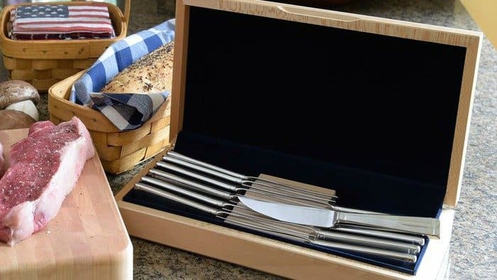 Giveaway: Made in USA Liberty Tabletop Deluxe Steak Knife Set With Chest