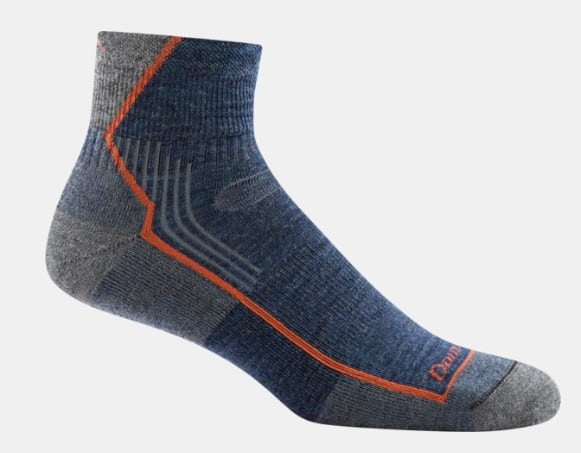 Made in USA hiking gear: Darn Tough socks made in Vermont #usalovelisted #hiking