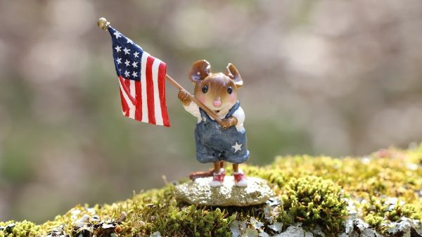 Made in Massachusetts: Wee Forrest Folk hand made miniature collectables #usalovelsited #massachusetts #madeinUSA
