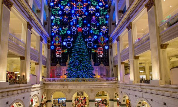 Five Free Holiday Activities In Philadelphia, For Family and Friends