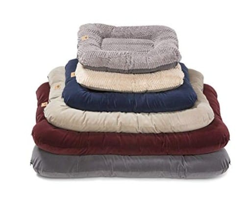 Made in USA Dog Supplies: West Paw pet beds and blankets #pets #dogs #usalovelisted