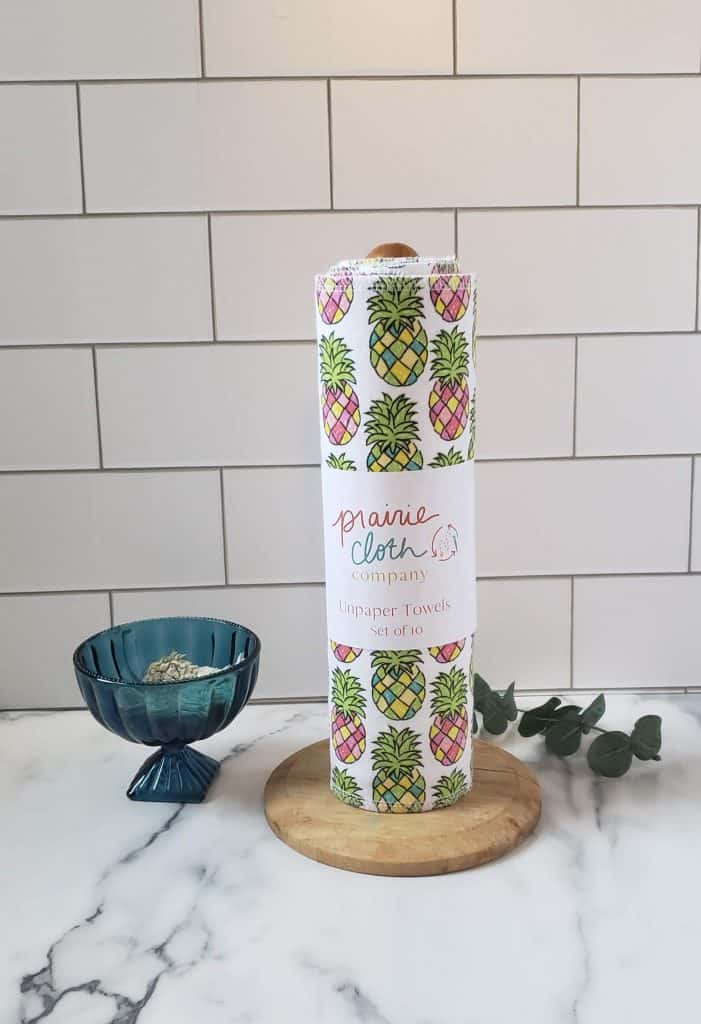 Paper Towel Alternative - Made in USA Unpaper Towels from Prairie Cloth Company #plasticfree #wastefree #plasticfreejuly #madeinusa #savemoney #reduce #reuse #recycle