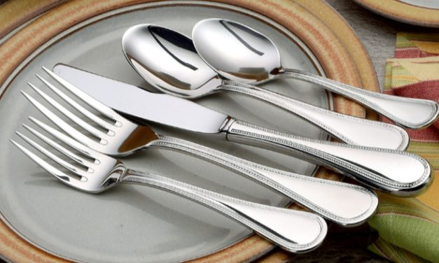 Giveaway: Made in USA Liberty Tabletop Flatware Set and Storage Chest