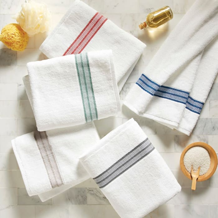 American Made Towel Collection by Better Homes & Gardens available at Walmart #usalovelisted #madeinUSA #giveaway #towels