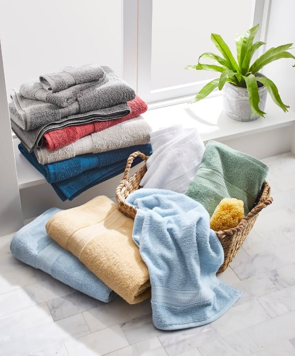 American Made Towels: American Made by Better Homes and Gardens available at Walmart. #madeinUSA #usalovelisted #towels #weddinggifts
