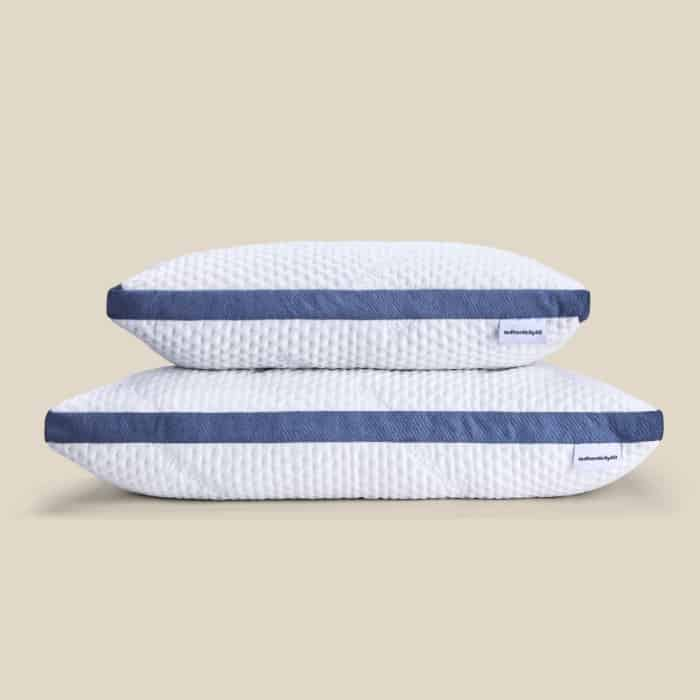 Made in USA Pillows: Authenticity50 Custom Comfort Pillow. A cooling pillow stuffed with shredded gel memory foam and a microfiber lining. #usalovelsited #madeinUSA #pillows #Authenicity50