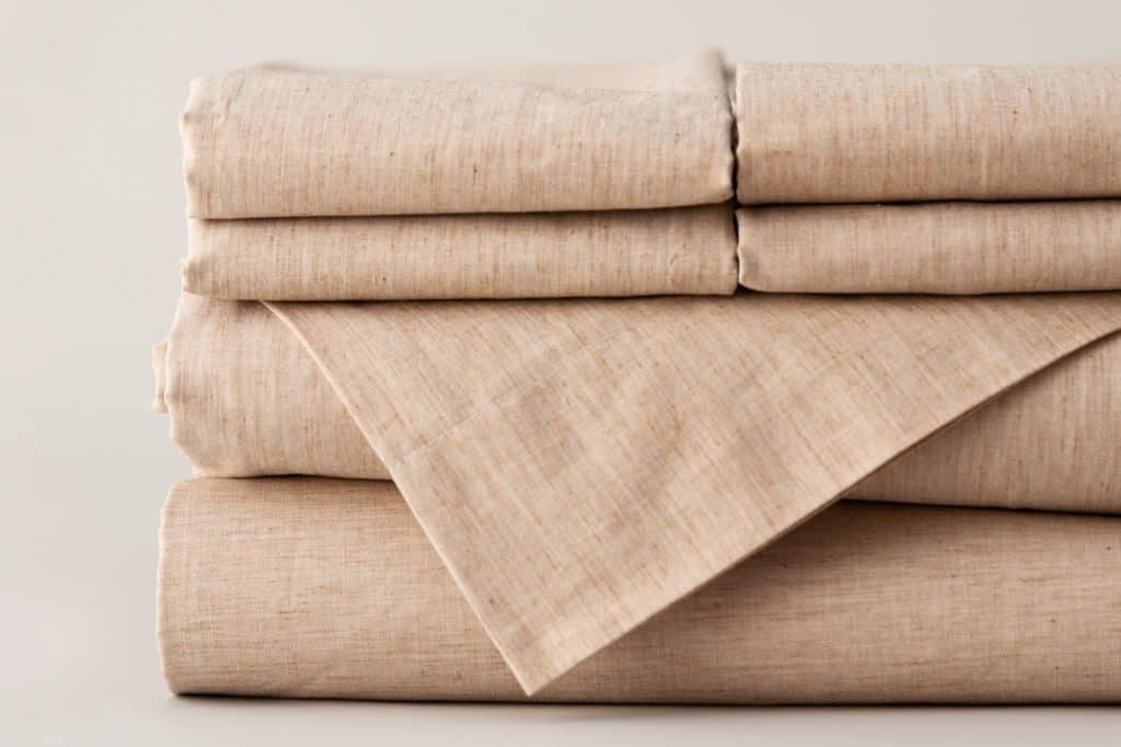 Organic Bedding Made in USA: NoFeathersPlease.com organic bedding is American made from the highest quality organic cottons and wools. #bedding #sheets #organic #usalovelisted #madeinUSA #AmericanMade